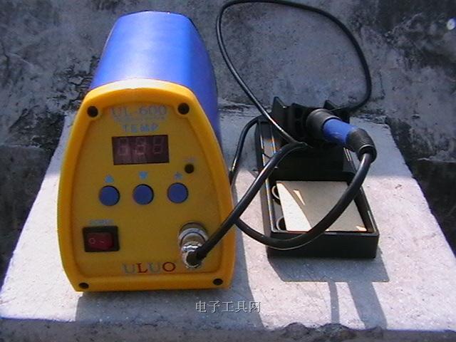 853d3合1焊台电路图
